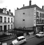 Le magasin Prisunic se trouvait 56 rue Nationale. (Fonds Bertin).,